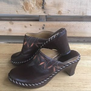 Frye Mules Leather Brazil Size 6.5
